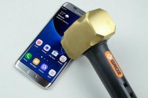 Ударопрочность Samsung Galaxy S7 проверили на практике