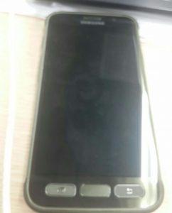 Фото Samsung Galaxy S7 Active: вид спереди