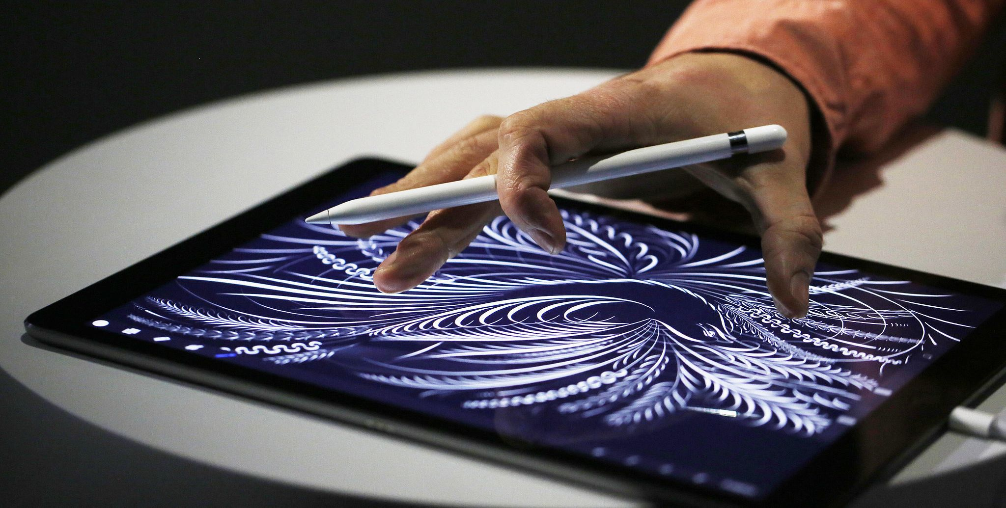 Демонстрация возможностей Apple Pencil