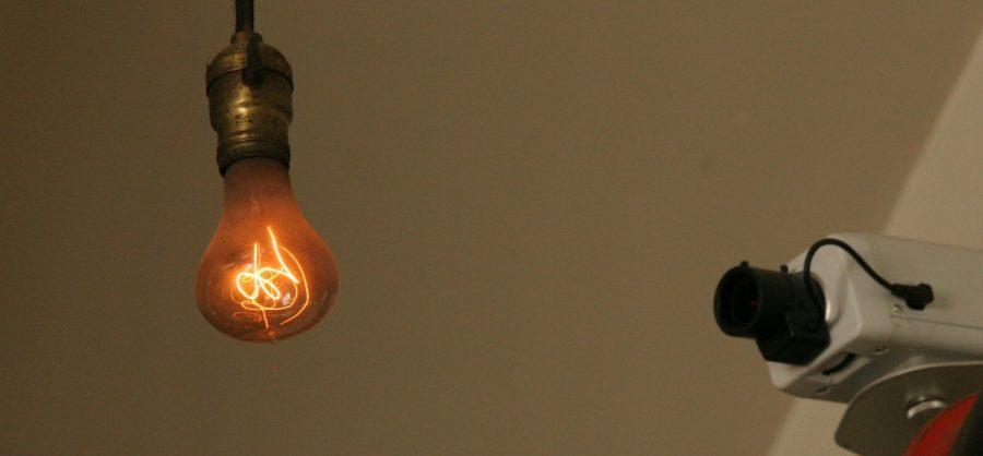 """Самая старая лампа накаливания, которой более 100 лет. Таких """"долгоиграющих"""" давно уже не делают."""