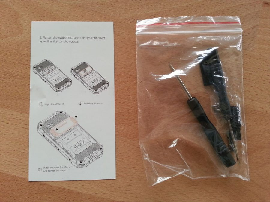 Краткая инструкция по установке SIM-карт и MicroSD в Blackview BV6000