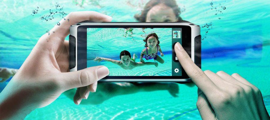 Камера HomTom HT20 в режиме подводной съемки