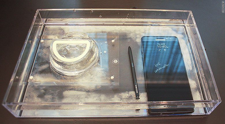 Samsung Galaxy Note 7 под водойSamsung Galaxy Note 7 под водой