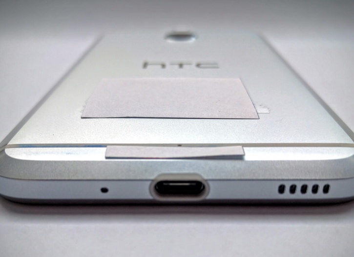 HTC Bolt имеет разъем USB Type-C
