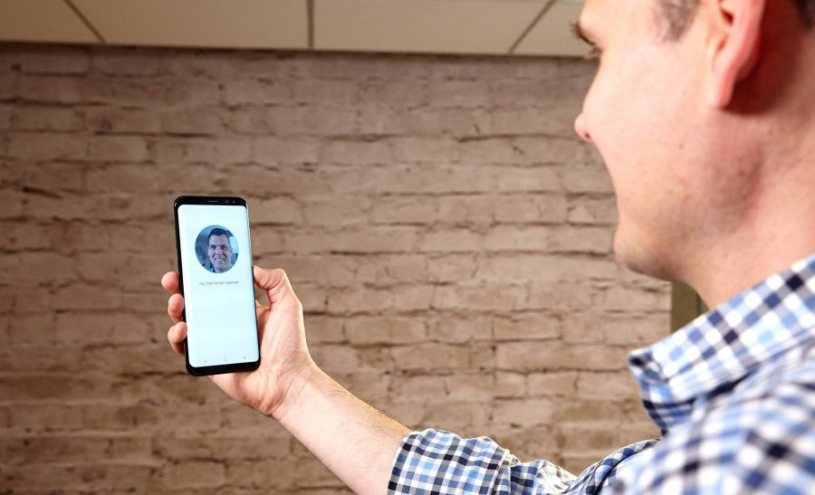 Включение распознавания лиц на Samsung Galaxy S8