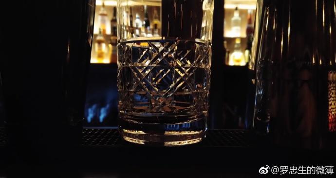 Пример снимка Sharp Aquos S2 в темноте