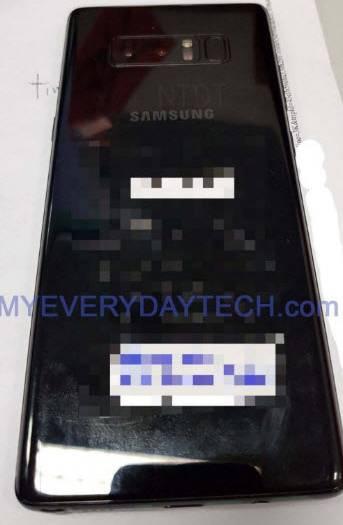 Тыльная сторона смартфона