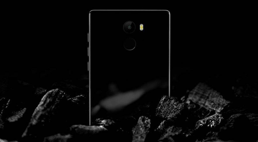 Основная камера смартфона одинарная и снабжена мощной двойной LED-вспышкой