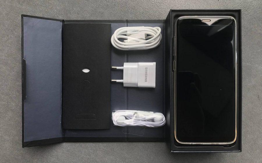 Содержимое упаковки копии Samsung Galaxy S9