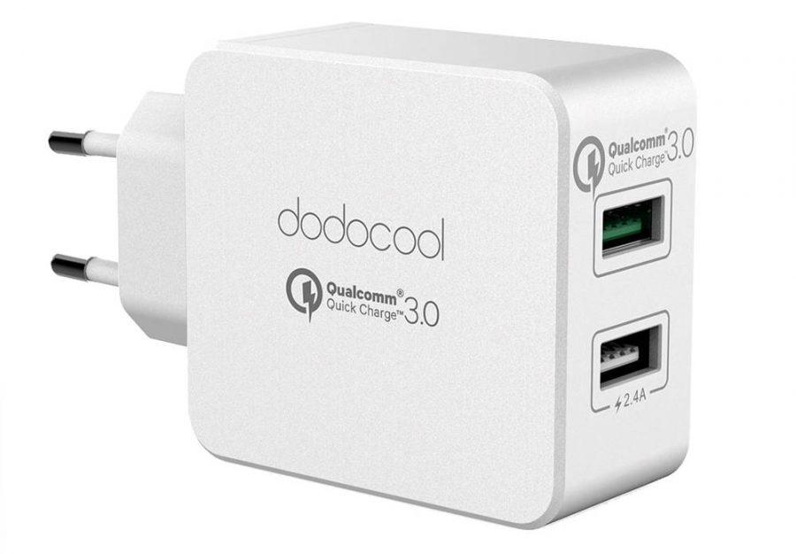 Зарядное устройство с поддержкой Quick Charge 3.0