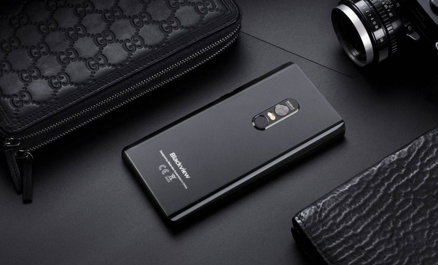 Дизайн Blackview Max 1