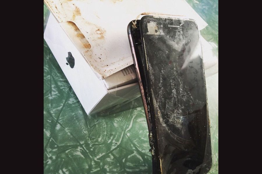 Apple-iPhone-7-explodes.jpg