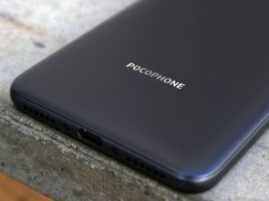 Xiaomi Pocophone F1 Lite — бюджетная версия популярного смартфона
